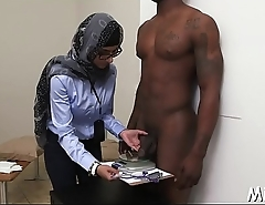 After shower arab hottie gets nailed