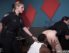 Amateur security guard Raw movie takes hold of police penetrating a