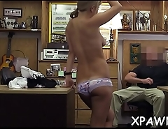 Horny amateur does oral-service