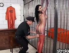 Big Tit Latina Missy Martinez gives Handjob Release
